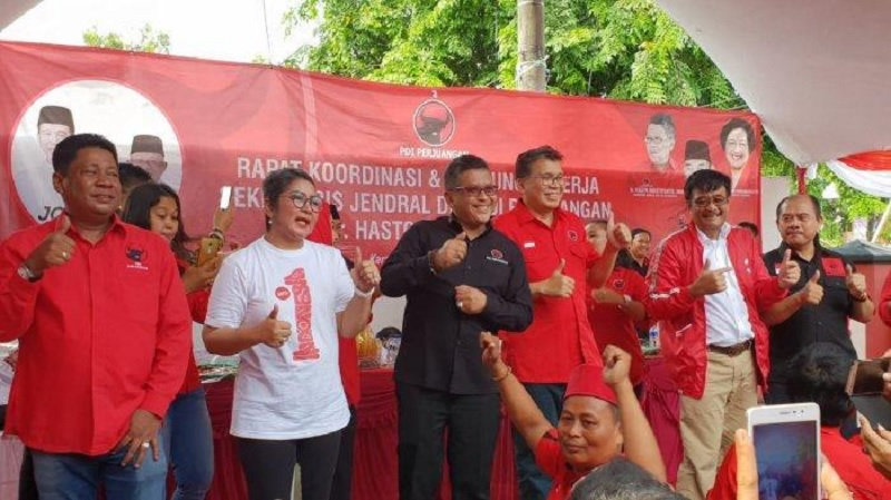 Keseruan Goyang 'Jokowi 1 Kali Lagi' di Karawang