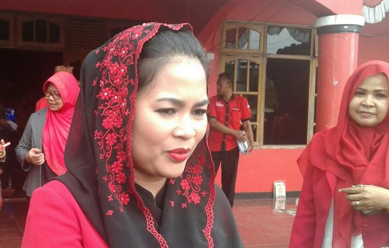 Puti Hadiri Grebek Maulid Nabi di Kampung Rangkah Gang Buntu