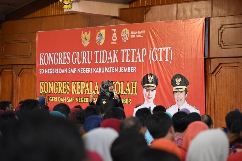 Bupati Faida: Lebih dari Seribu Guru Honorer Sudah PNS