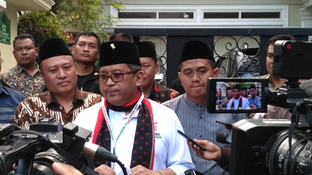 Prabowo Tidak Percaya Media Massa, Hasto: Blunder!