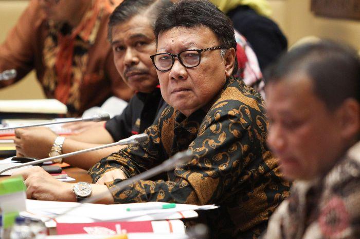 Mendagri Keluhkan Sulitnya Pendistribusian e-KTP di Papua