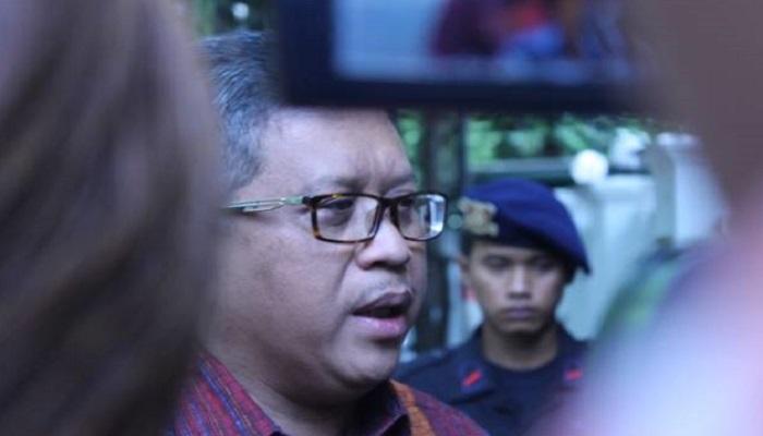 Hasto Siap Pasang Badan untuk Jokowi-Kiai Ma'ruf