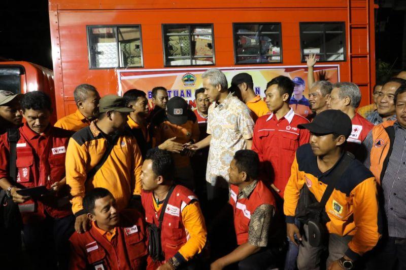Ganjar Lepas Bantuan ke Lampung dan Sukabumi