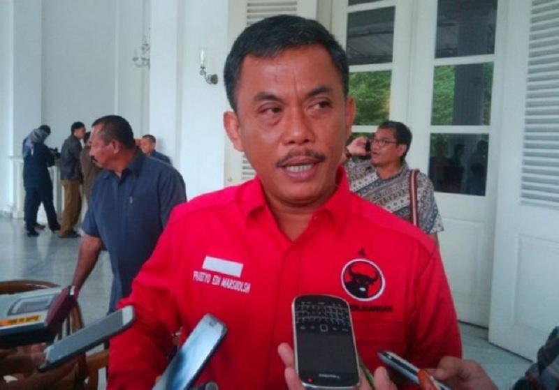 Prasetyo Minta Anies Tertibkan Lokasi Bundaran HI dari PKL