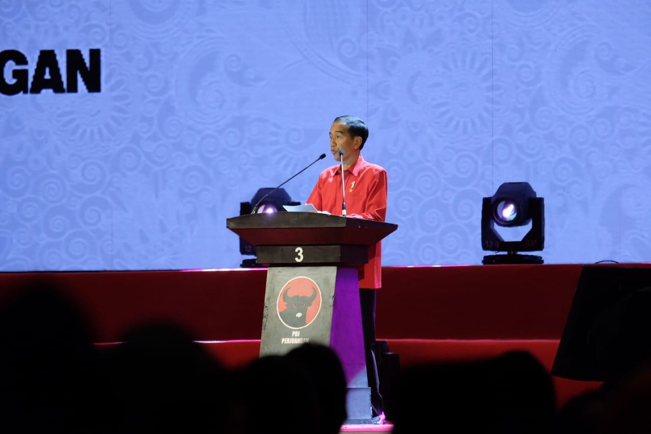 Presiden Hentikan Pidato Saat Adzan Dzuhur Berkumandang