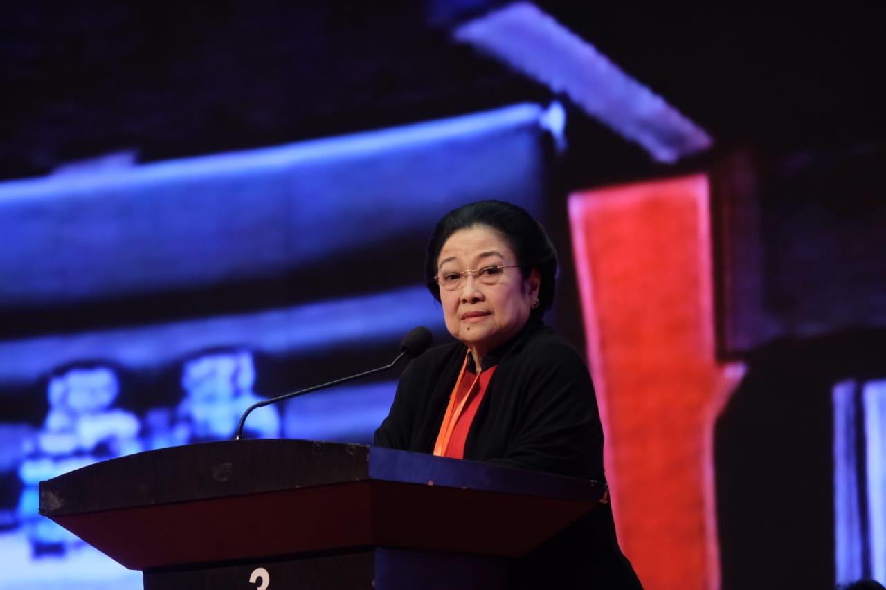 Megawati Ingatkan Ganjar Potensi Bencana di Jateng
