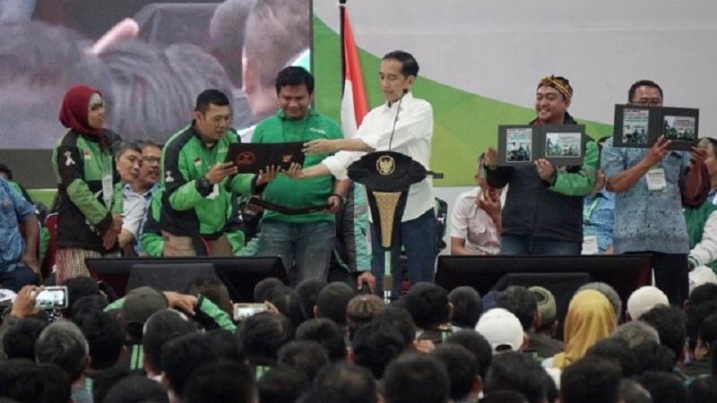 Driver Ojek Online Berterima Kasih pada Jokowi