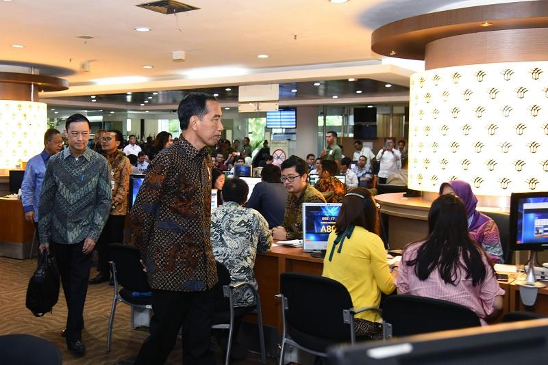 Jokowi Tak Gentar Terhadap Posko Prabowo di Solo