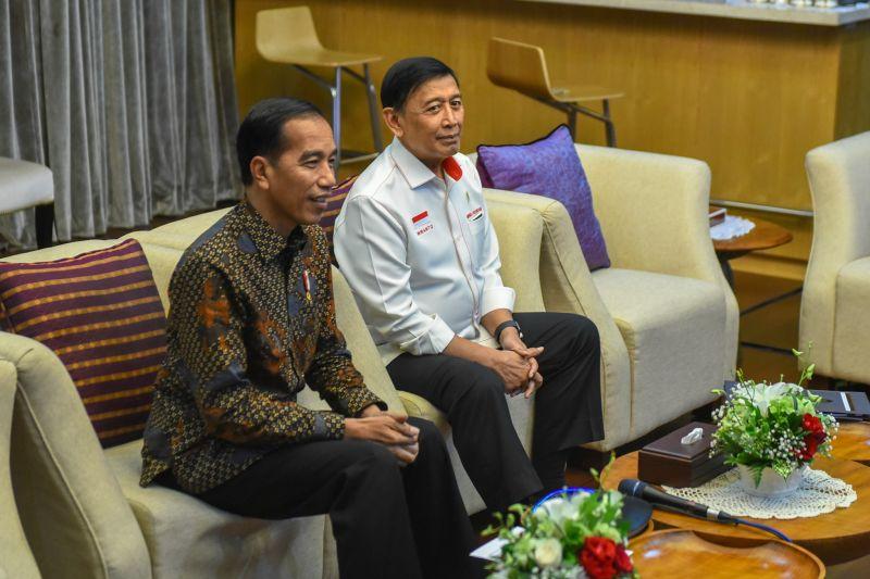 Hangatnya Teleconference Presiden Jokowi dan BJ Habibie