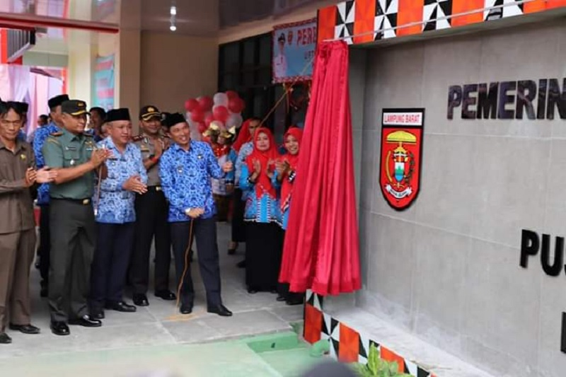 Bupati Lampung Barat Resmikan Gedung Baru Puskesmas
