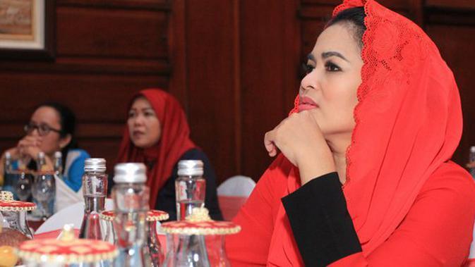 Puti Apresiasi Kader Lingkungan di Kota Surabaya
