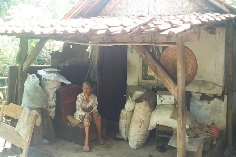 Pemkab Majalengka Perbaiki Rumah Warga Lansia