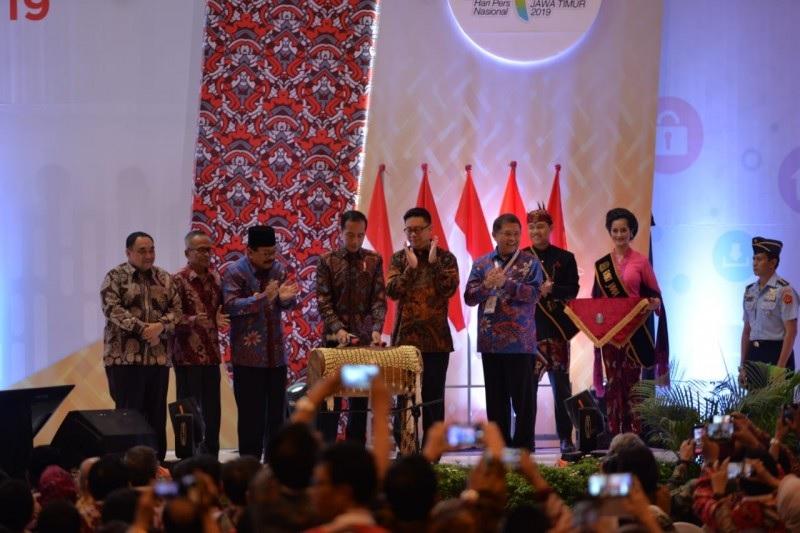Presiden Jokowi Dianugerahi Medali Kebebasan Pers