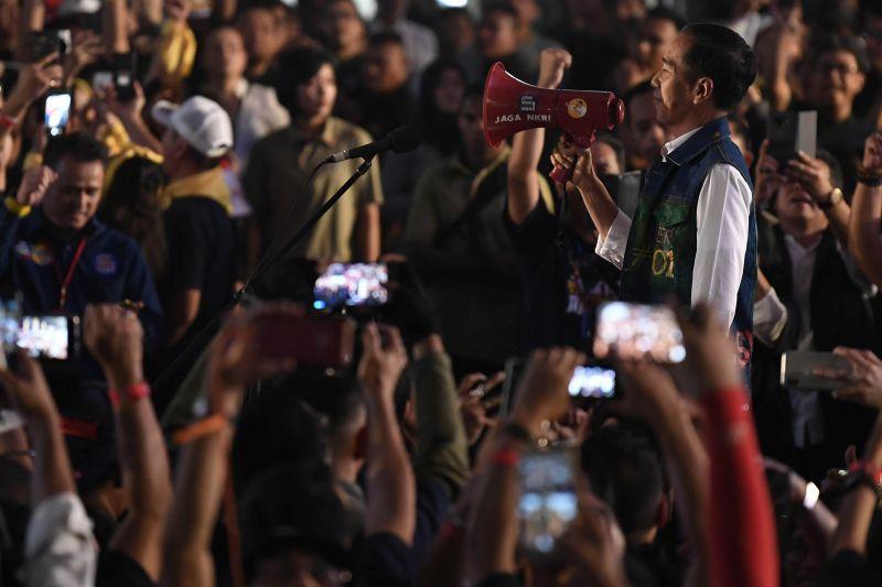 Jokowi: Pengalaman Memimpin Dimulai dari Keluarga