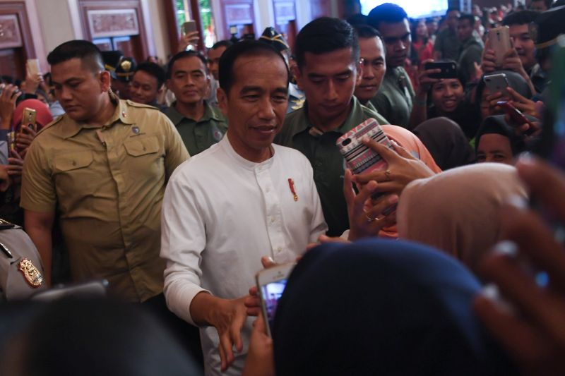 Presiden Jokowi Doakan Ani Yudhoyono Diberi Kesembuhan