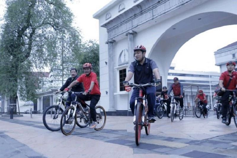 Hendi Berkeliling dengan Sepeda Memeriksa Kondisi Kota