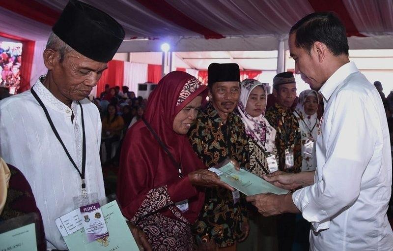 Jokowi Harap Sertifikat Lahan Rakyat Tak Dialihfungsikan