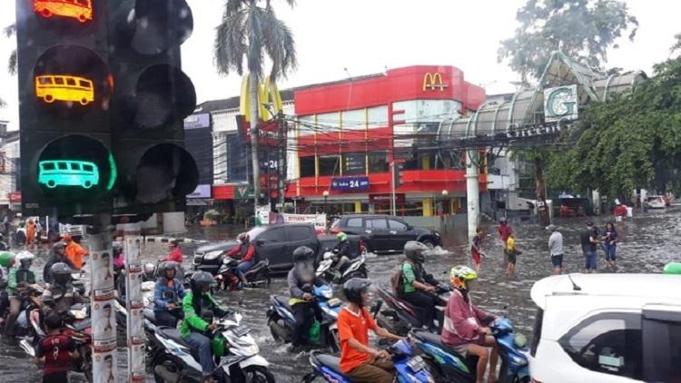 Kebanyakan Studi Banding, Anies Tidak Serius Tangani Banjir