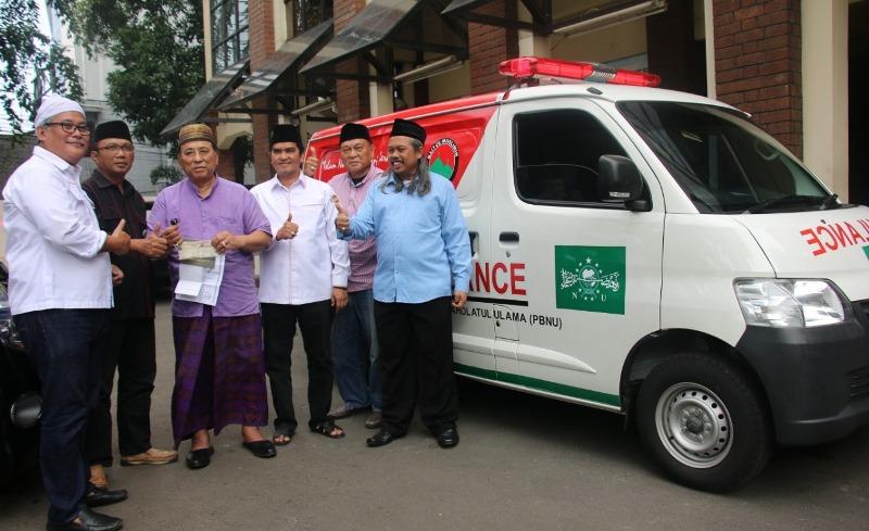 Bamusi Serahkan Satu Unit Ambulans ke PBNU
