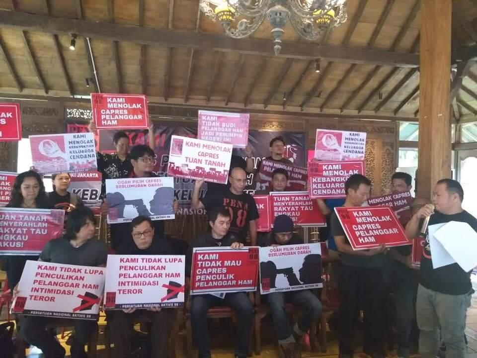 Tolak Pelanggar HAM dan Tuan Tanah, PENA 98 Dukung Jokowi