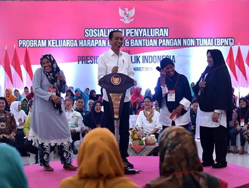 Jokowi Minta Penerima Manfaat PKH Bijak Gunakan Bansos