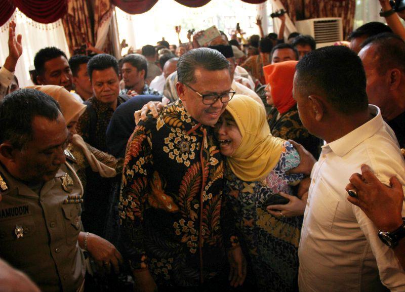 Gubernur Nurdin Dilantik Jadi Ketua PII Sulsel