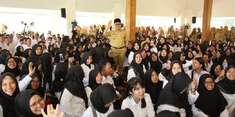 Bupati Anas Ingatkan ASN Sedekah & Kerja Keras
