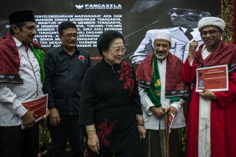 Kisah Megawati yang Hampir Bergabung dengan Golkar