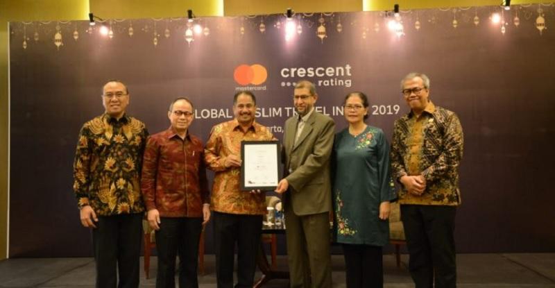 Pemerintah Jokowi Torehkan Prestasi Juara Wisata Halal Dunia