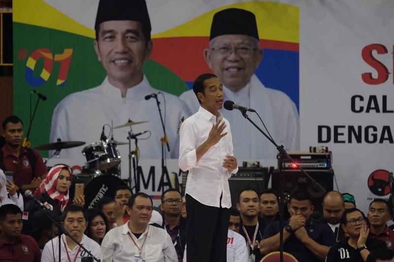 Jokowi Ceritakan Pergub Wajib Kenakan Pakaian Khas Betawi