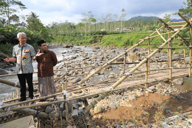 Ganjar Segera Rampungkan Jembatan Gantung Jebengplampitan