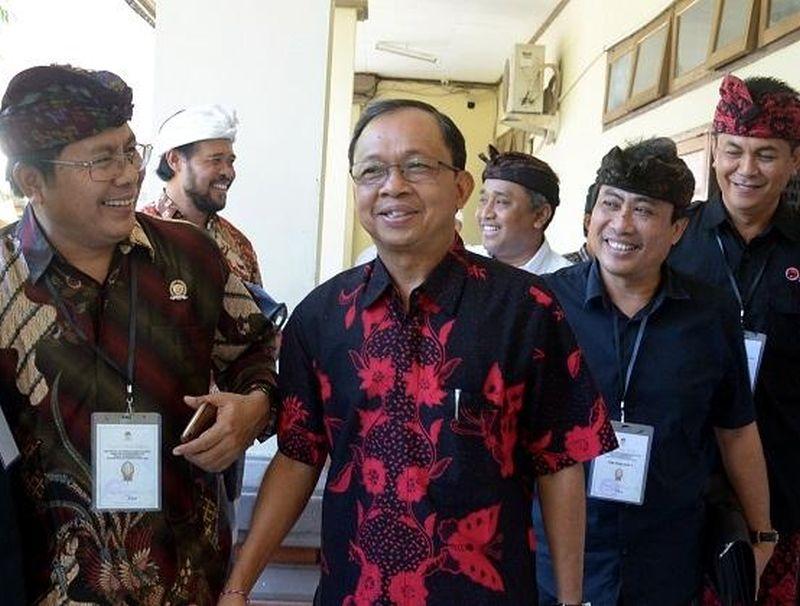 Koster Anjurkan Acara Internasional Pakai Aksara-Busana Bali