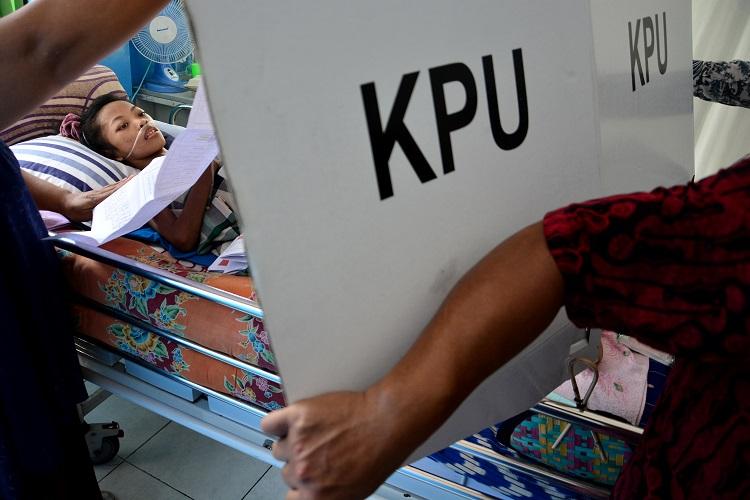 Jokowi-Ma'ruf Menang di TPS Zulkifli Hasan