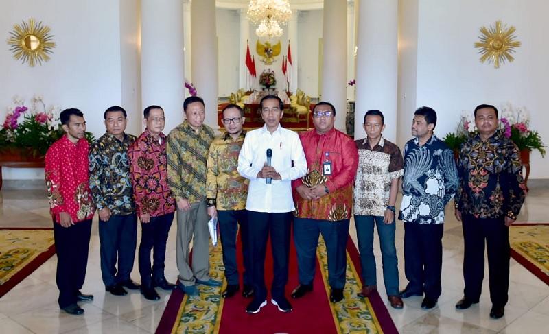 Jokowi & Pimpinan Serikat Pekerja Sepakat Revisi PP Upah