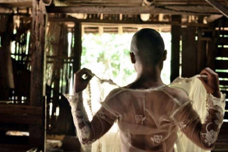 Film Garin Nugroho, Iis: Lestarikan Budaya dengan Bijak