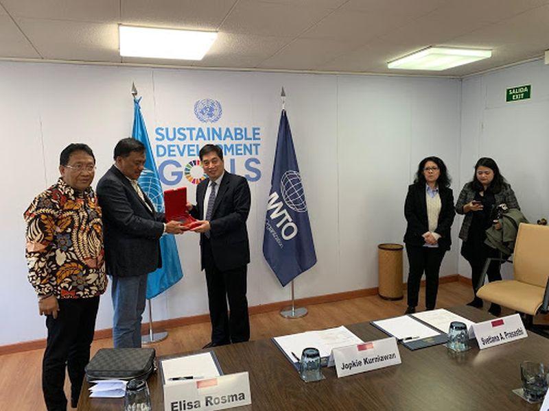 Olly Bahas Asistensi Pariwisata Sulut dengan UWTO