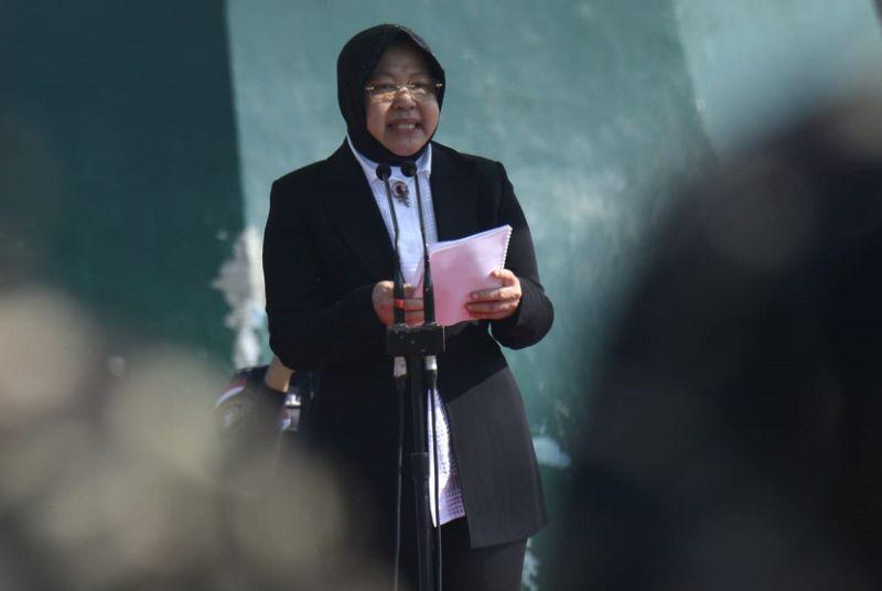 Risma Kunjungi 11 Keluarga KPPS yang Meninggal