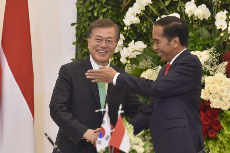 Via Telepon, Presiden Korsel Beri Selamat kepada Jokowi