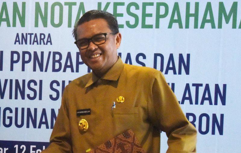 Gubernur Nurdin Minta Wali Kota Makassar Evaluasi PD Pasar