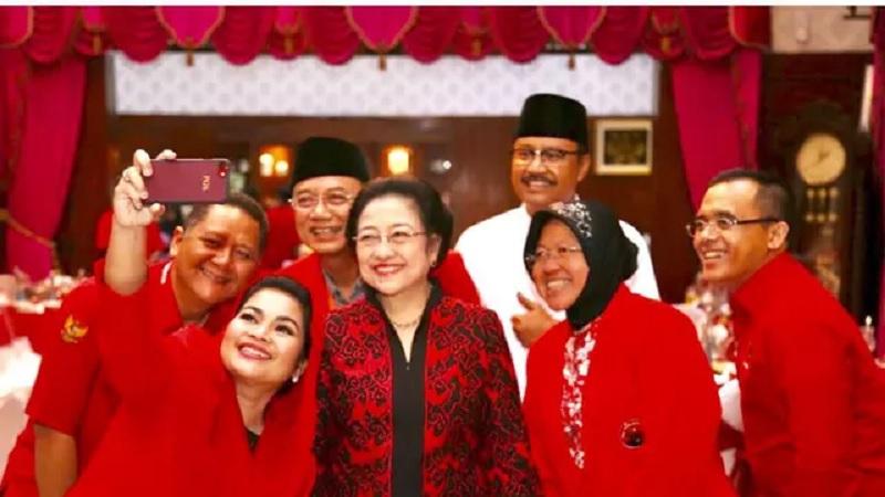Megawati : Warga Surabaya Harus Bangga Punya Bu Risma