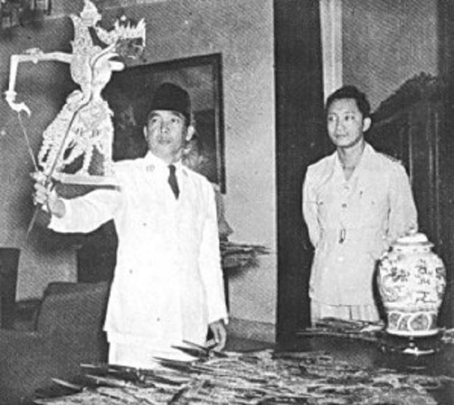 Gemar Wayang Kulit, Bung Karno Gelar Tiap 2 Bulan di Istana