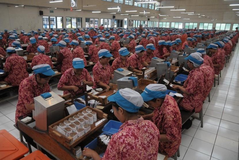 Rokok Kretek Ditantang Bisa Bersaing di Pasar Ekspor