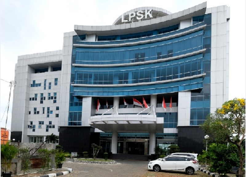 Jokowi Teken Perpres Tunjangan Pegawai LPSK Capai Rp24,9Juta