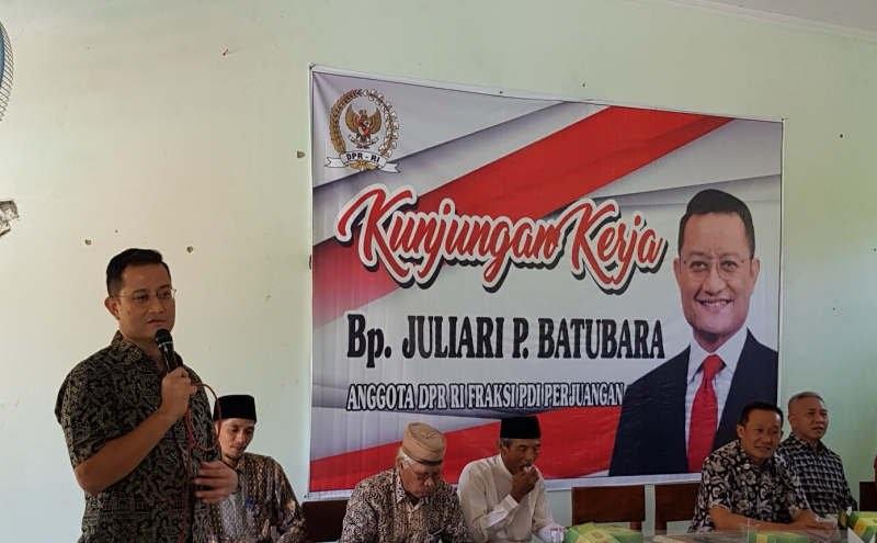Juliari Cek Bantuan CSR Bank untuk SMP Hasanudin 7
