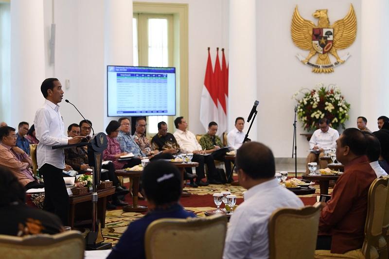 Presiden Ingatkan Hati-Hati Defisit Neraca Perdagangan