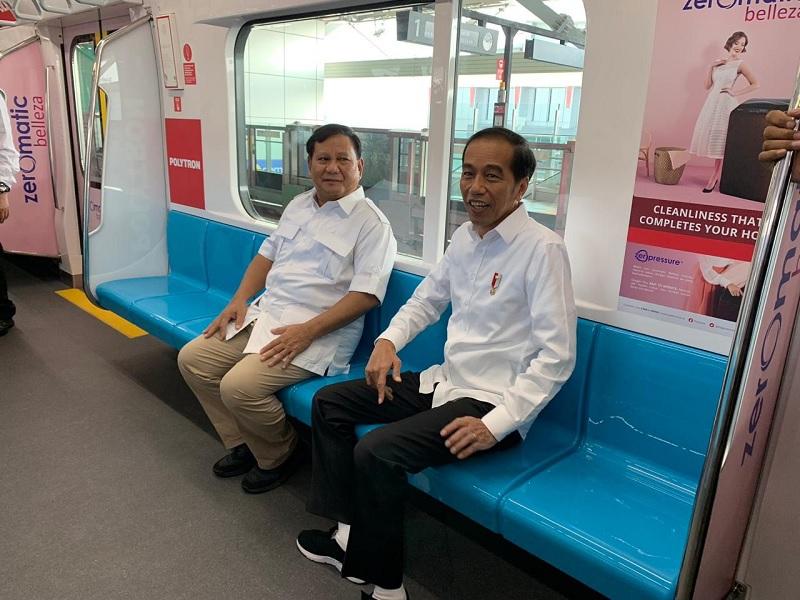 Akhirnya Mereka Bertemu di Stasiun MRT Lebak Bulus