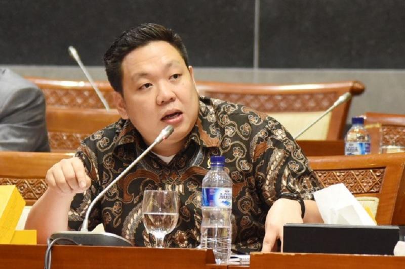 Charles Dukung Pemerintah Naikkan Gaji Prajurit TNI