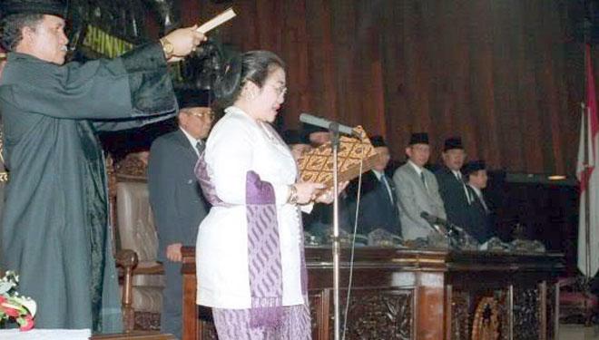 18 Tahun Lalu, Megawati Jadi Presiden Perempuan Pertama