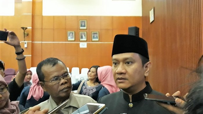 Hendrik Nilai PKS Nafsu Ajukan Raperda Kota Religius
