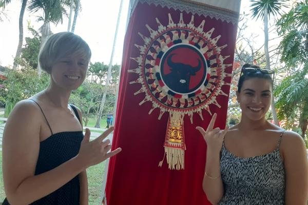 Kongres Banteng di Mata Para Turis Asing